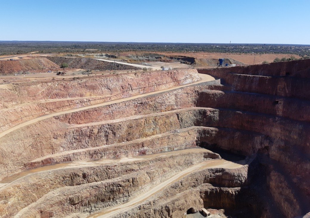 Fort Bourke Lookout & Gold Mine