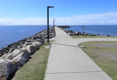 Manly Breakwater Walk
